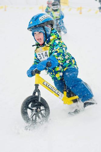 strider - snow ski set, transforma tu strider en diversió