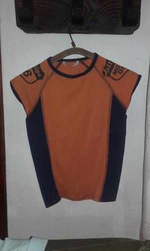 sudadera  en algodon talle aprox diez.color naranja y azul