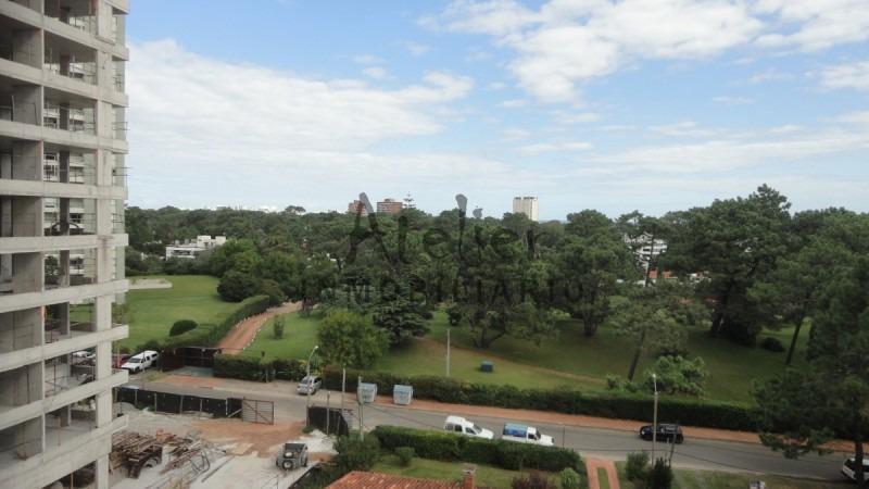 summer tower,  2 domitorios, 2 baños, playa mansa, un oasis en el corazón de la ciudad -ref:302