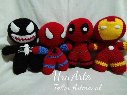 super heroes muñecos