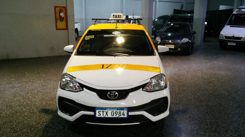 taxis toyota etios x 1.5