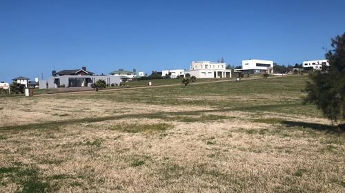 terreno barato - colinas de carrasco - barrio privado- e7