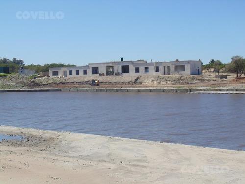 terreno, barrio privado,  sobre la playa, barrio con seguridad, puerto, restaurante, amenities