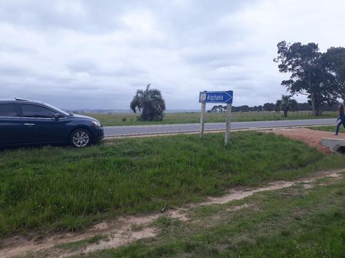 terreno con mejoras en arachania, sobre ruta 10.