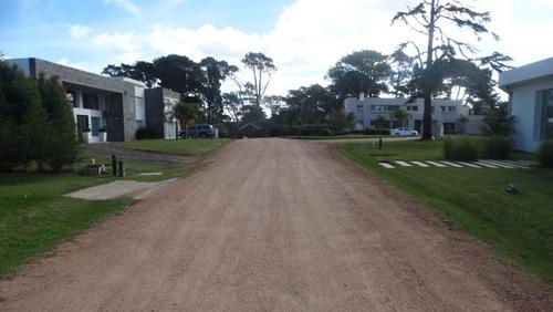 terreno en barri privado a 600 mts del mar - ref: 29452