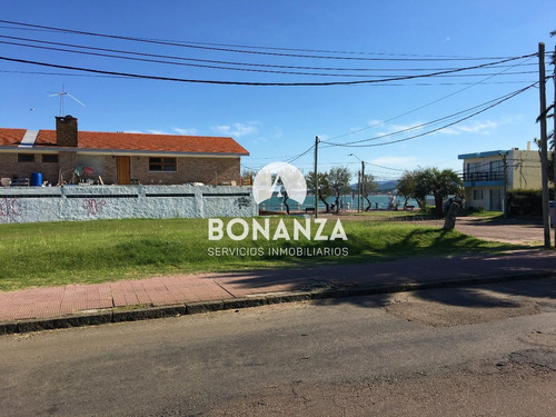 terreno en venta, piriápolis, centro, 900m², 50 m de rambla