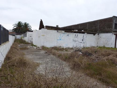 terreno ideal depósito, galpón o viviendas.