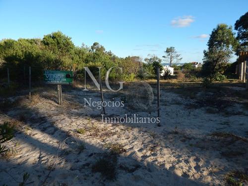 terreno santa ana a 1 cuadra de la playa