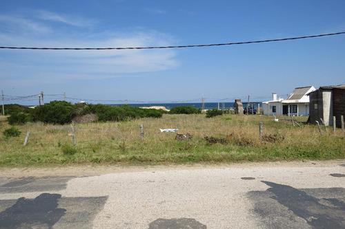 terreno sobre la costanera de arachania, con vista al mar