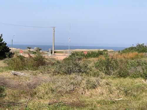 terreno ubicado a pasos del mar