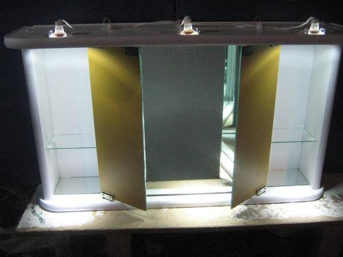 the luxe  botiquin grande de tres cuerpos con luces led