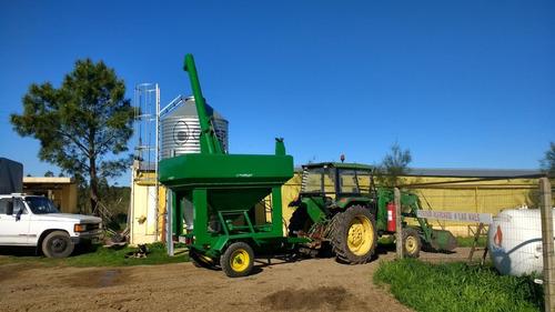 tolvin o tolva para racionar silo aereo para semilla o grano