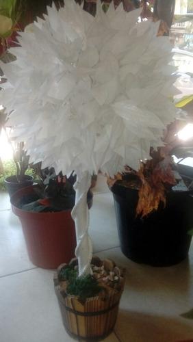 topiario blanco arbolito decoración interiores con maceta