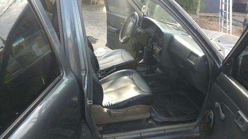 toyota hilux 2.4 d/cab 4x2 d 1994