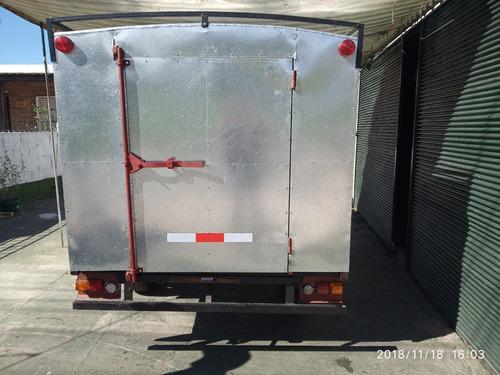trailers  furgon cerrado con freno.