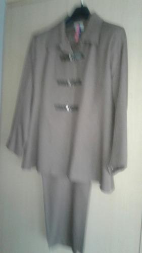 traje de señora muy fino