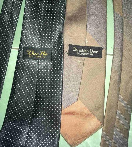 traje para hombre. talle m. con dos corbatas de regalo