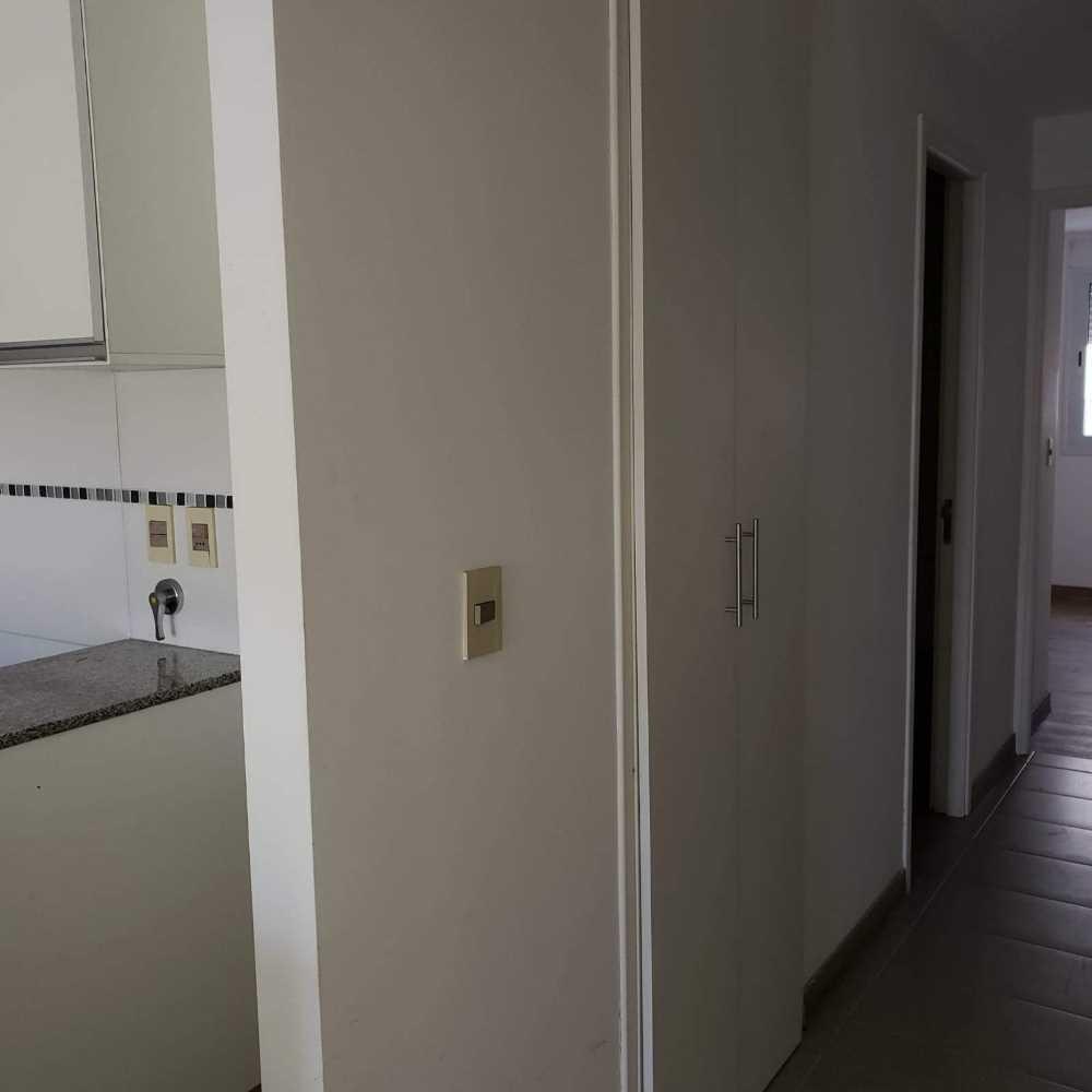 traspaso apartamento de 2 dormitorios en zona céntrica