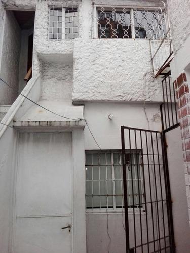 tres cruces, muy buena casa, 4 dormitorios, patios, barbacoa