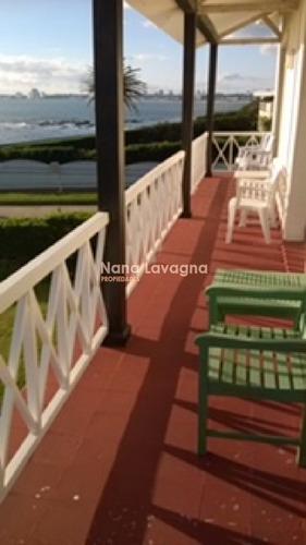 ubicada en la mejor zona de la península, ¿ date el gusto de tener una casa única¿ - ref: 213381