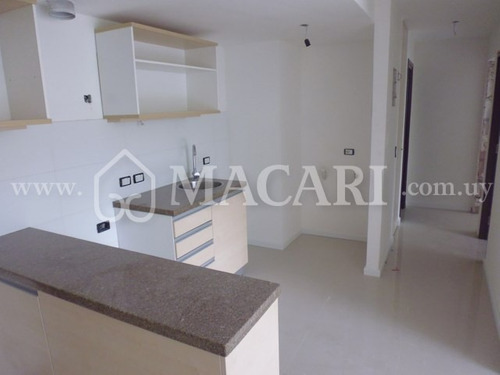 unidad de dos dormitorios al frente con terraza