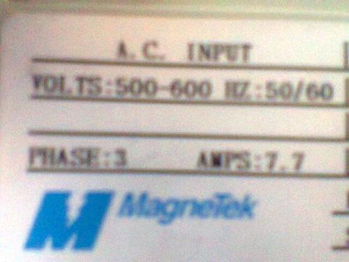 variadores d frecuencia  entrada 500 a 600 volts, 7.7 amp