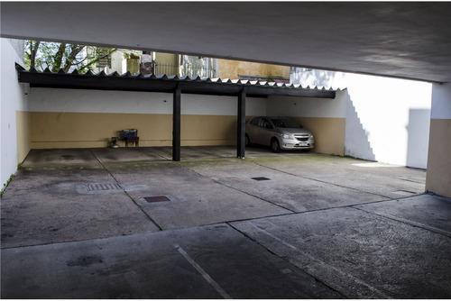 vende apto. av. rivera, piso alto c/garaje !