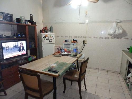 vende - casa de 3 dormitorios, 2 baños, garaje y patio
