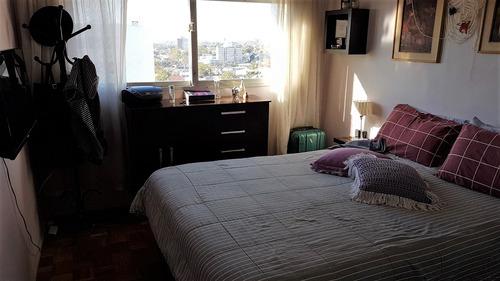 vendo. 2 dormitorios. ultimo piso. la blanqueada