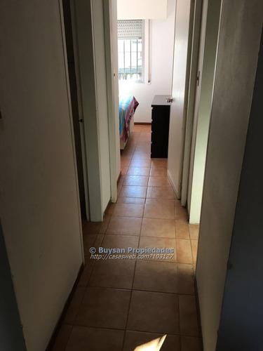 vendo apartamento al frente, 2 dormitorios, garaje