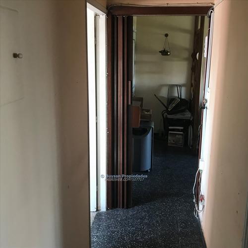 vendo apartamento al frente, 2 dormitorios, tres cruces