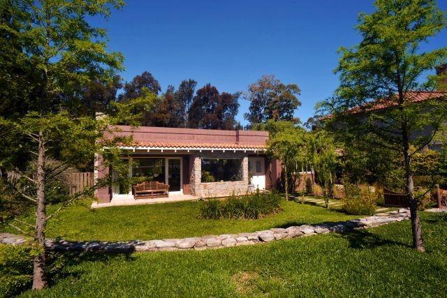 vendo casa lomas la tahona 2 dormitorios jardin vista a golf