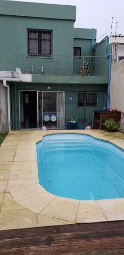 vendo. hermosa casa. 5 dormitorios. gje. piscina. malvin