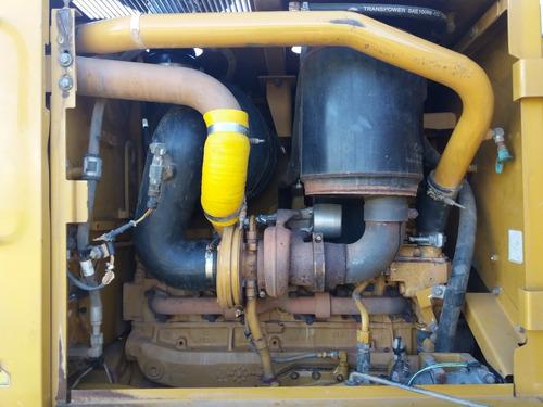 vendo motoniveladora 120k año 2011 excelente estado