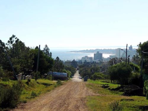 vendo terreno en lo alto de piriápolis zona cerro  la gloria