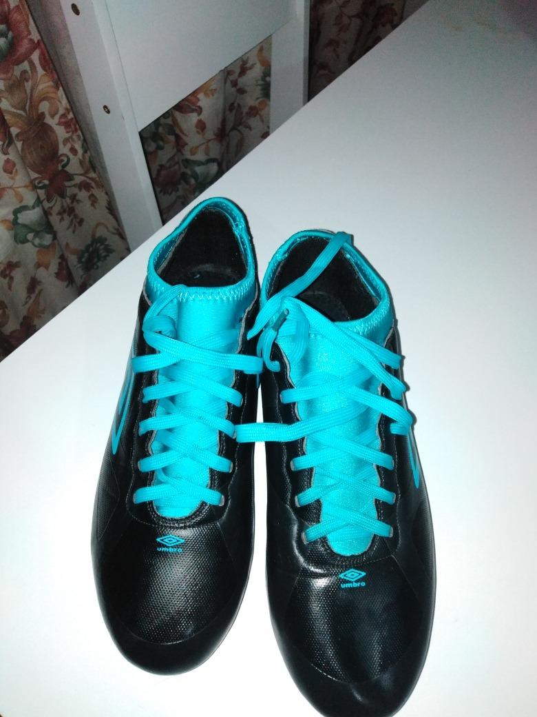vendo zapatos de fútbol umbro. Cargando zoom. 49df8811b79ab