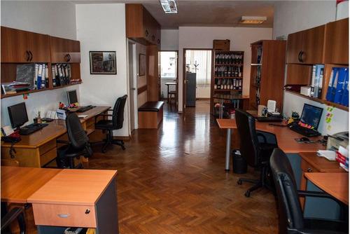 venta-alquiler, linda oficina sobre 18 de julio