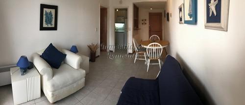 venta apartamento 1 dormitorio primera linea playa mansa - ref: 584