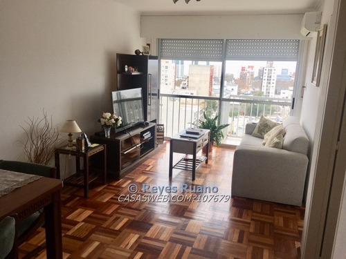 venta apartamento 2 dormitorios a mts montevideo shopping