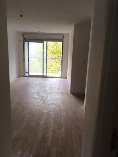 venta apartamento pocitos 1 dormitorio con renta, garaje