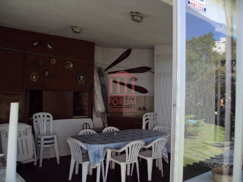 venta casa 3 dormitorios , 2 baños , dormitorio y baño de servicio - ref: 486