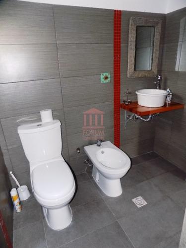 venta casa 3 dormitorios , 3 baños , dormitorio y baño de servicio - ref: 1030