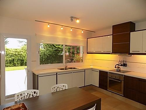 venta casa 4 dormitorios en suite y dormitorio de servicio  - ref: 216