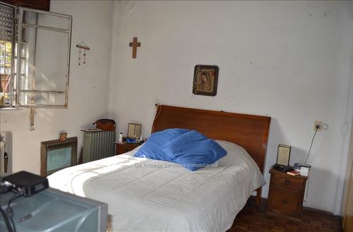 venta casa 4 dormitorios y patio zona 3 cruces