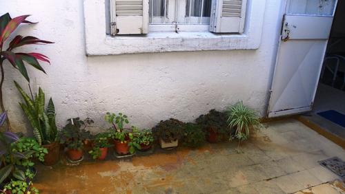 venta casa cerrito por viaje!! a 2 gral flores, patio