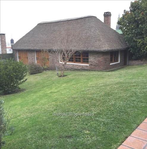 venta casa en malvín - próximo a rambla -