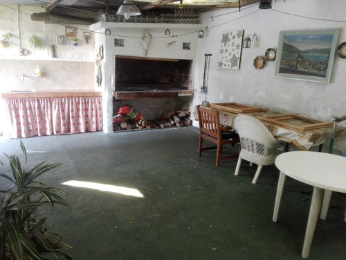 venta casa punta gorda. 3 dormitorios patio garaje + apto