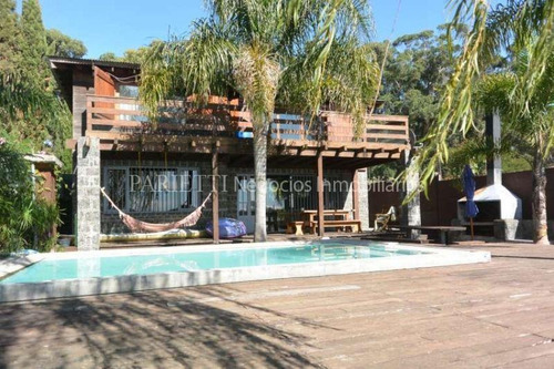 venta casa sobre lago, 4 dormitorios, muelle, piscina