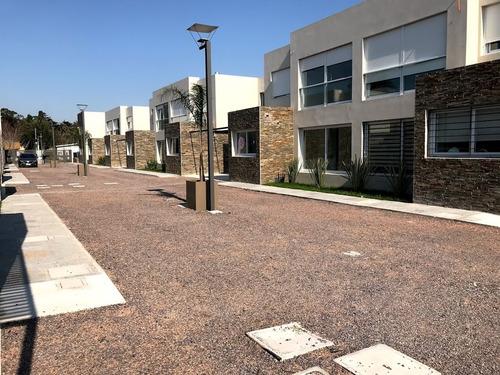 venta casas 3 dormitorios 2 baños barrio privado carrasco