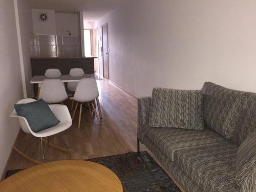 venta con renta! apartamento 2 dormitorios, patio, garaje.